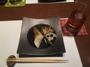 image 2 300x225 - 日本料理【インプラントなら初台・代々木 岡歯科医院
